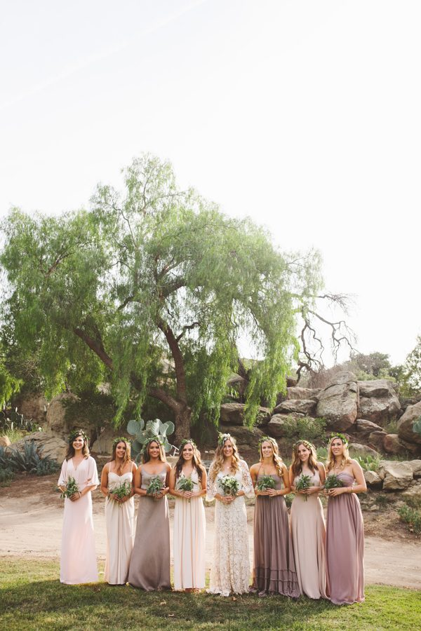 an-alpaca-almost-stole-the-spotlight-in-this-hummingbird-nest-ranch-wedding-15