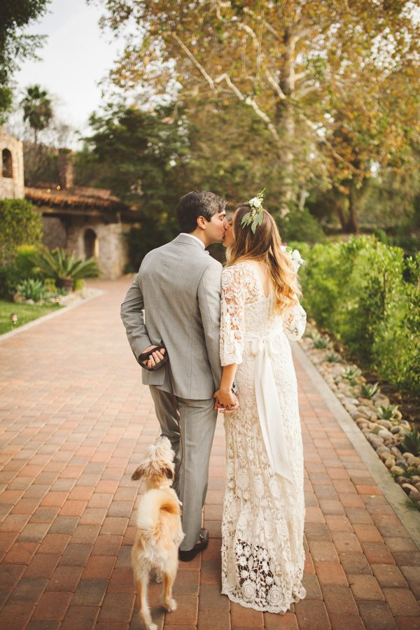 an-alpaca-almost-stole-the-spotlight-in-this-hummingbird-nest-ranch-wedding-40