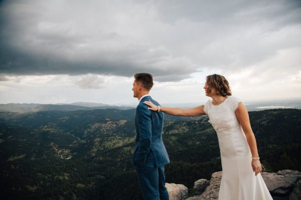 this-couple-achieved-a-dreamy-woodland-affair-for-their-lds-wedding-in-denver-4