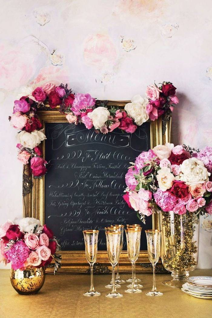 Here to find out what the top glamour details for wedding reception