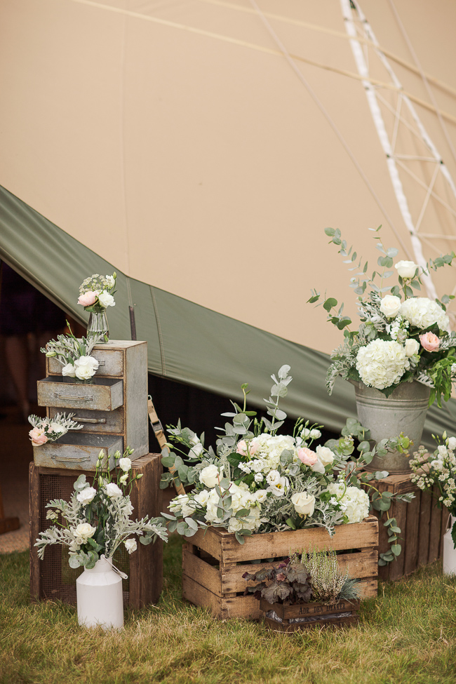 3 Ways To Style A Barn Wedding-2