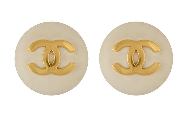 Chanel Logo round clip-on earrings