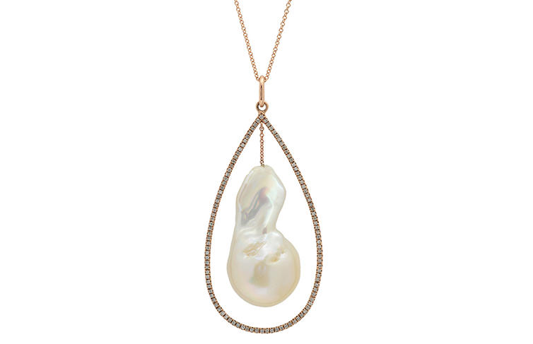 Switch Pearl and Pear necklace